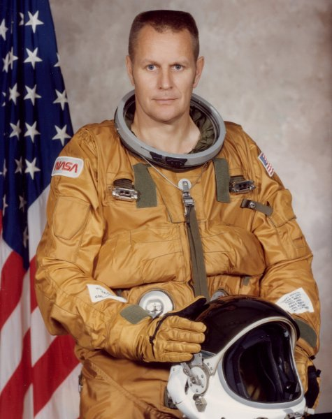 Astronaut Bob Overmyer, NASA photo (1982)Source: Wikipedia (www.jsc.nasa.gov page unavailable July 2019) Overmyer_robert_4.jpg