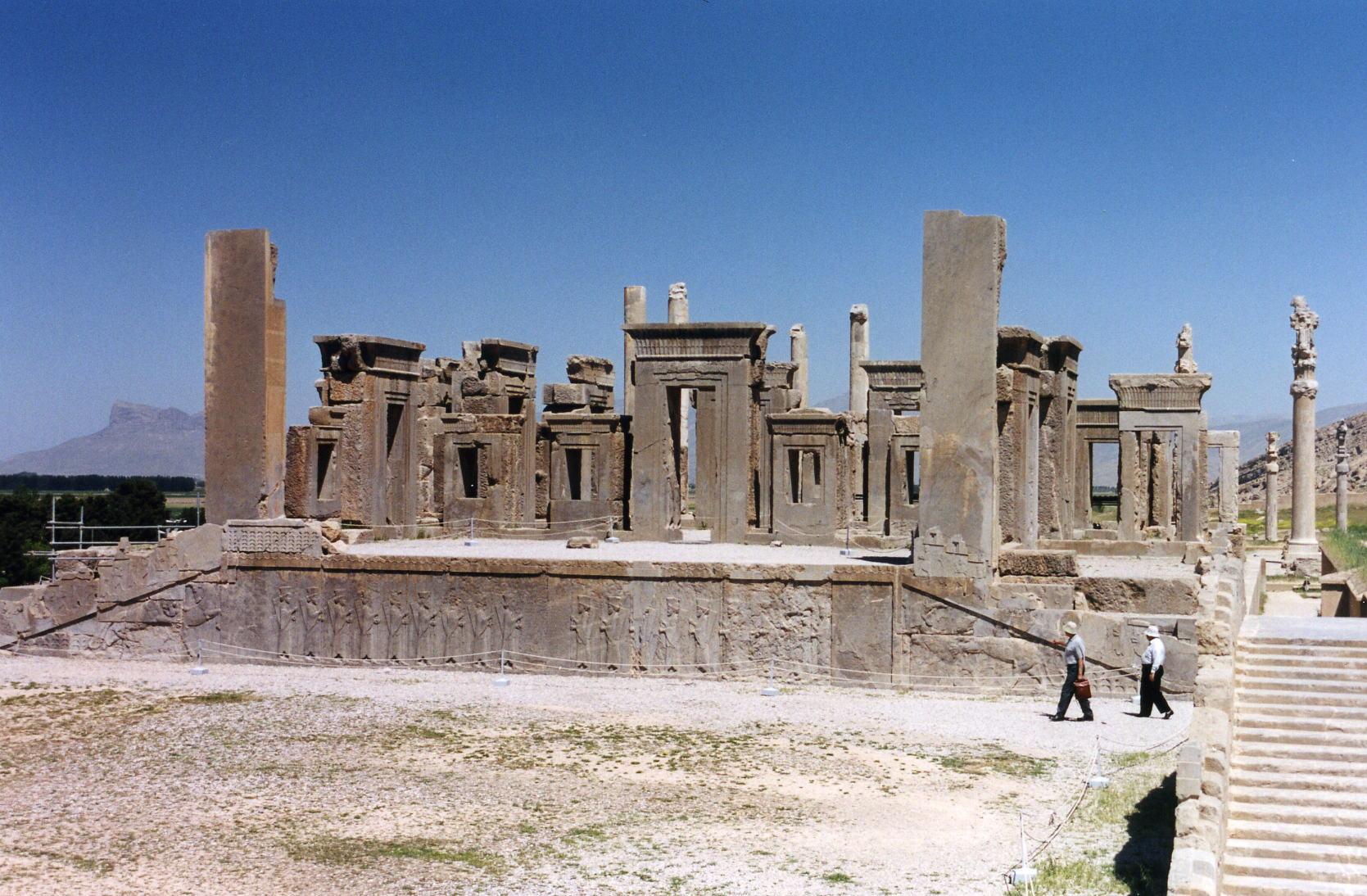 File pers polis palais de wikimedia commons - Persianas palacio ...