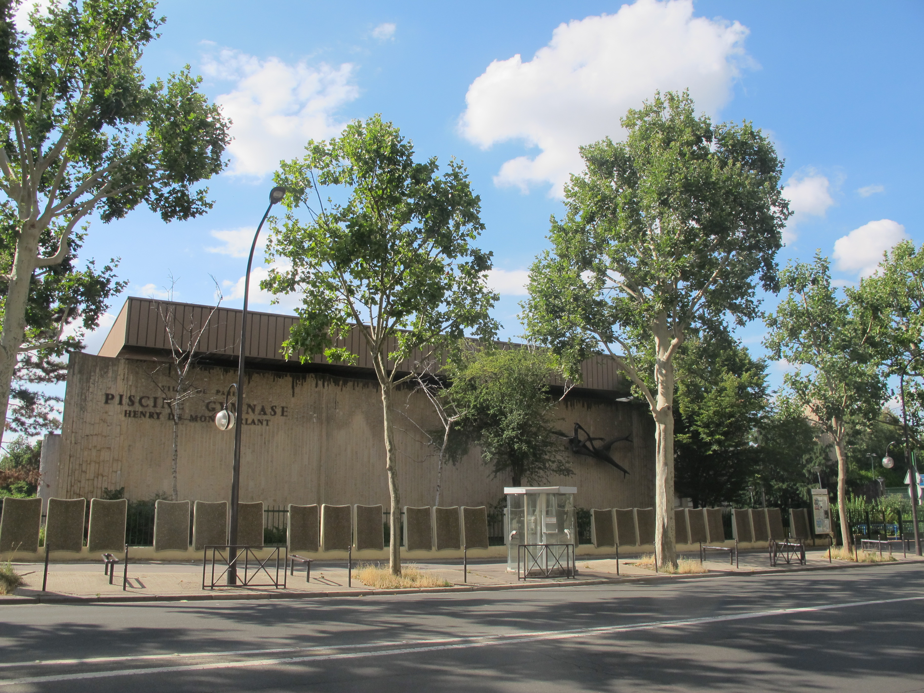 File Piscine Henry De Montherlant Paris 16e Jpg Wikimedia Commons