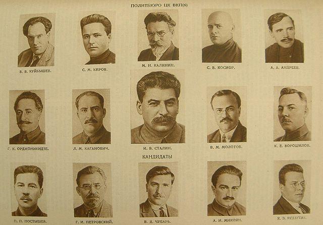 Rusia quiere olvidarse del comunismo.  - Página 2 Politburo1934
