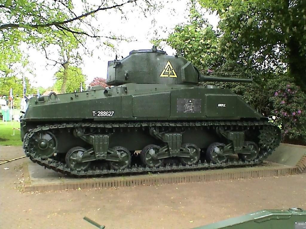 Sherman_M4_(Airborne_Museum)_03.JPG