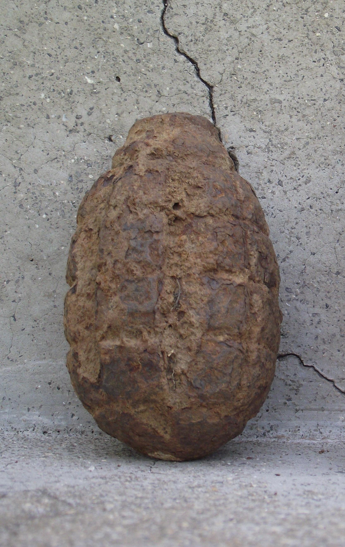 File:Soviet F1 defensive hand grenade 1945 Lot World War II era F1