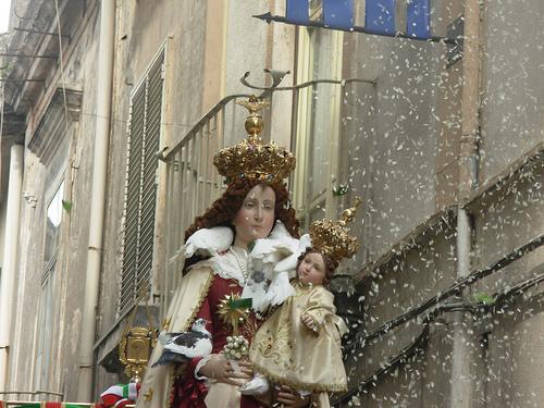 Statua Madonna delle Galline