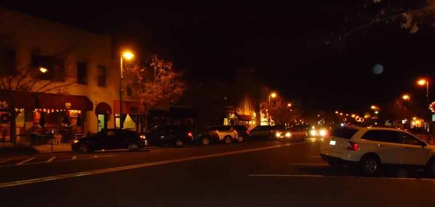 New Jersey by Night - O Paradoxo da Razão  Summit_New_Jersey_street_scene_at_night