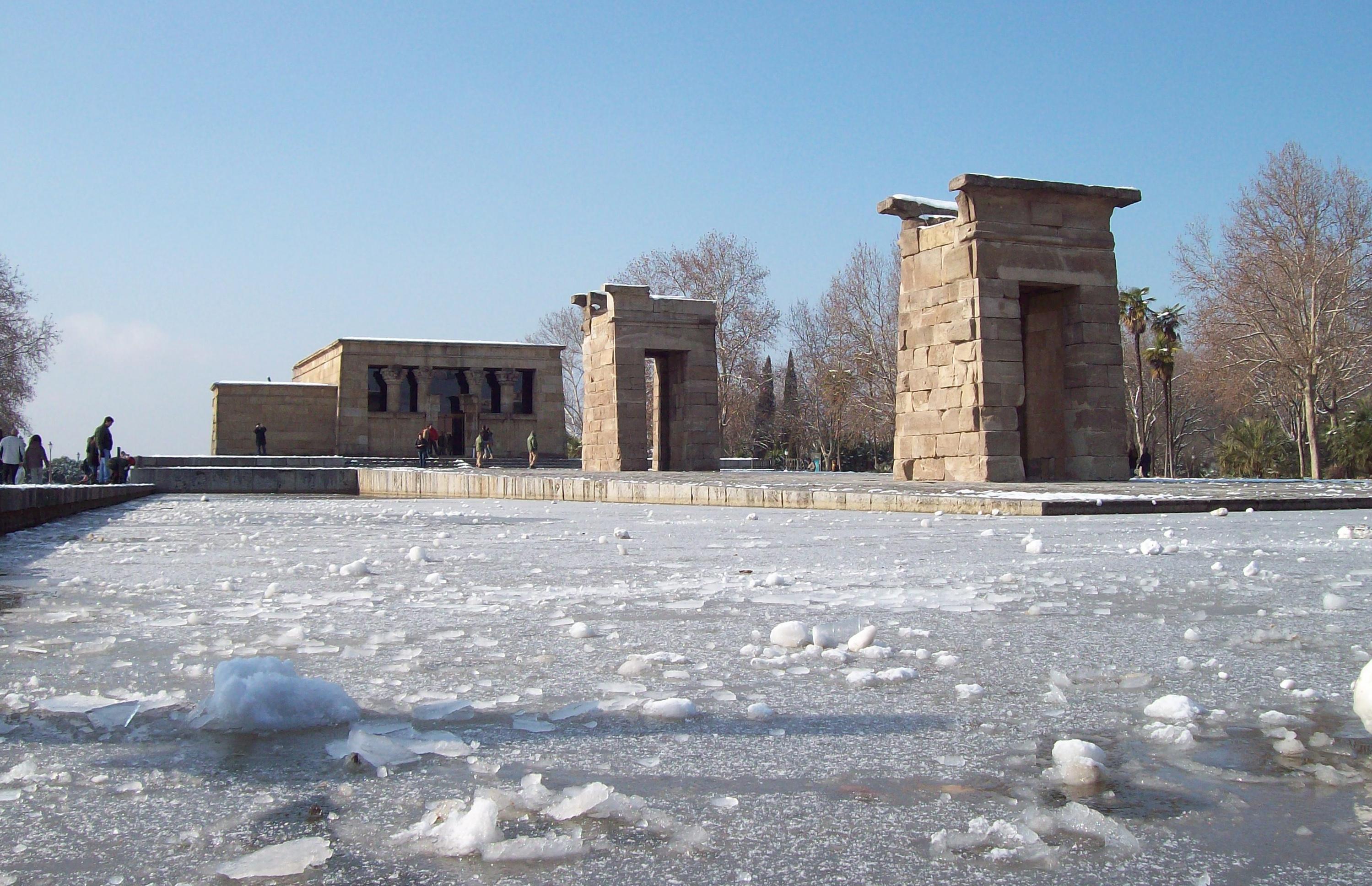 File:Templo de Debod (Madrid) 25.jpg - Wikipedia