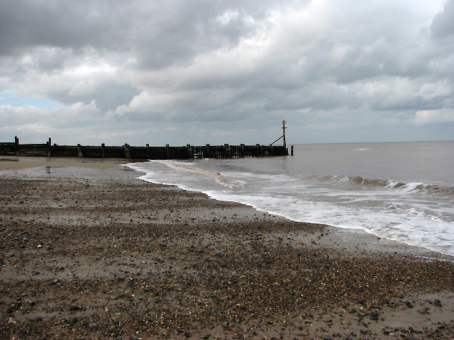 The beach at Walcott Gap - revisited - geograph.org.uk - 719827