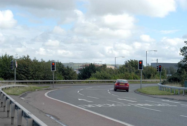 File:Traffic Lights at Fortwilliam Roundabout - geograph.org.uk - 336706.jpg