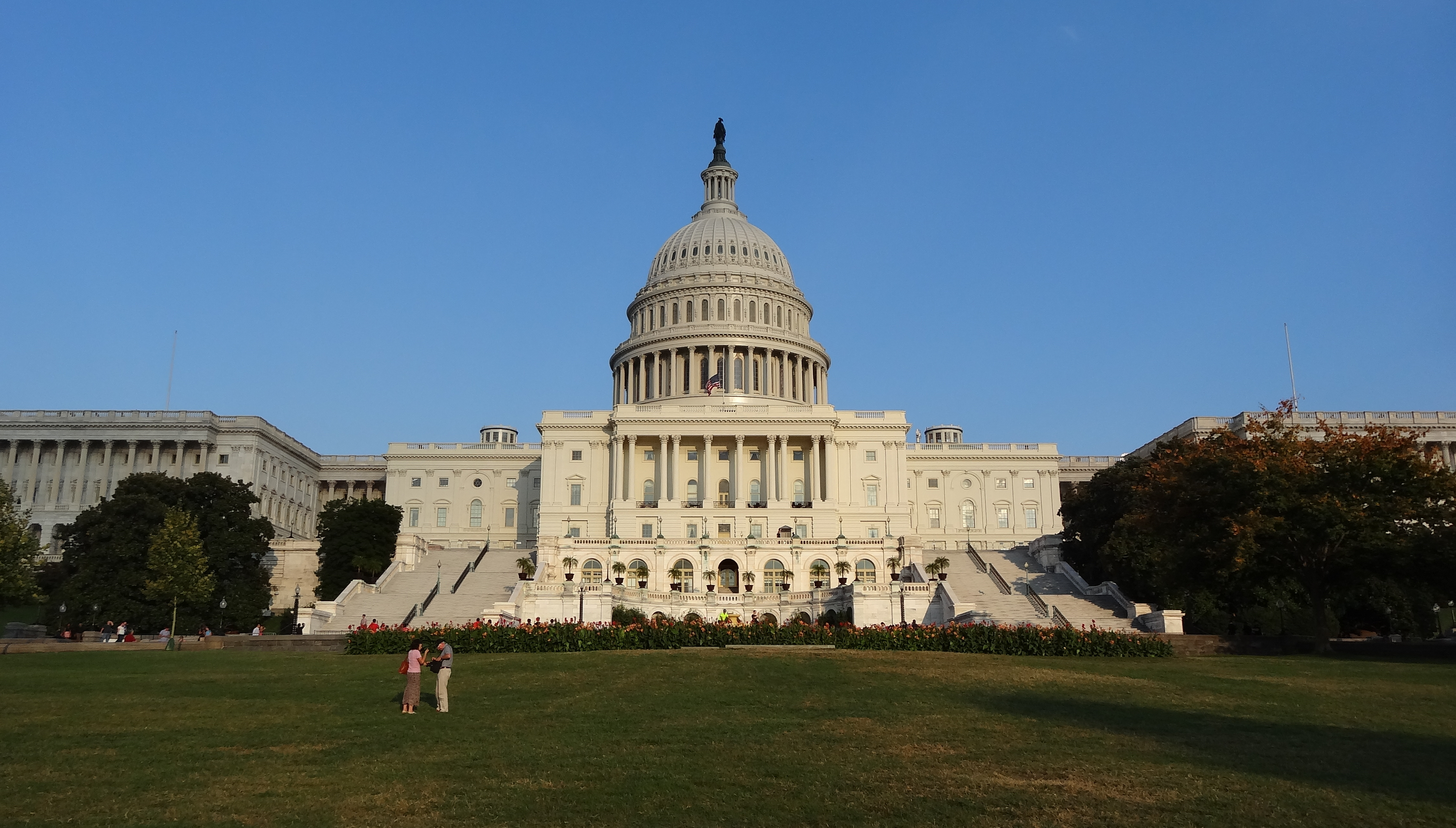 File:US Capitol during government shutdown; west side ...