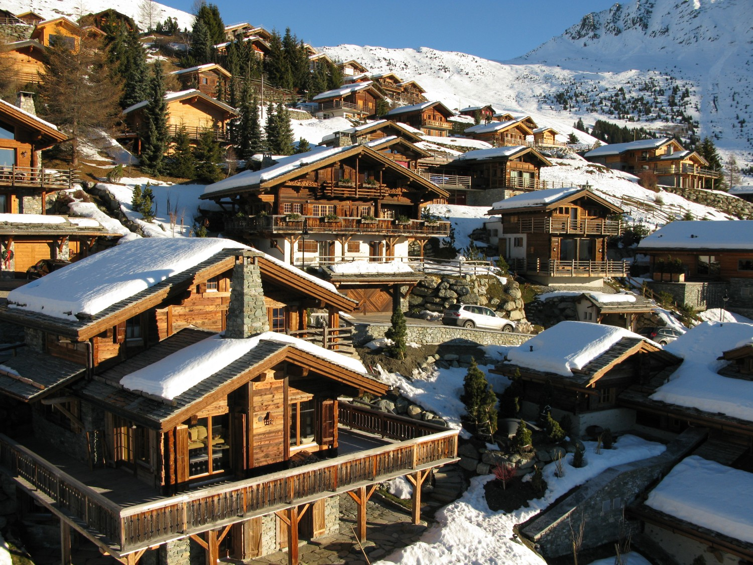 Ski Area Guides: Five of the Best Swiss Ski Destinations