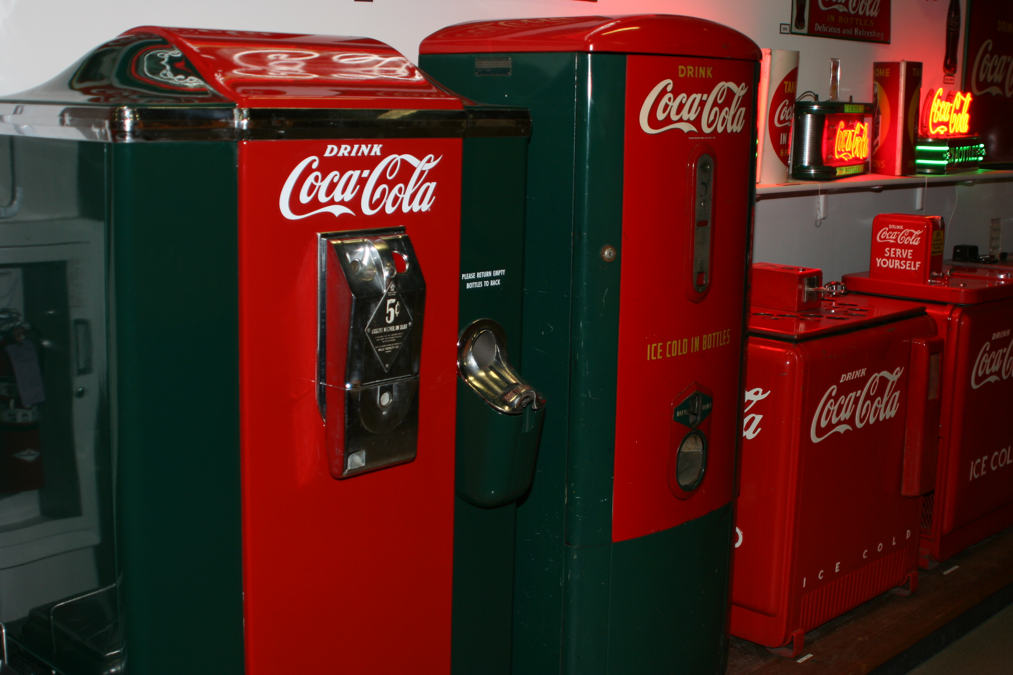vintage coca cola machine