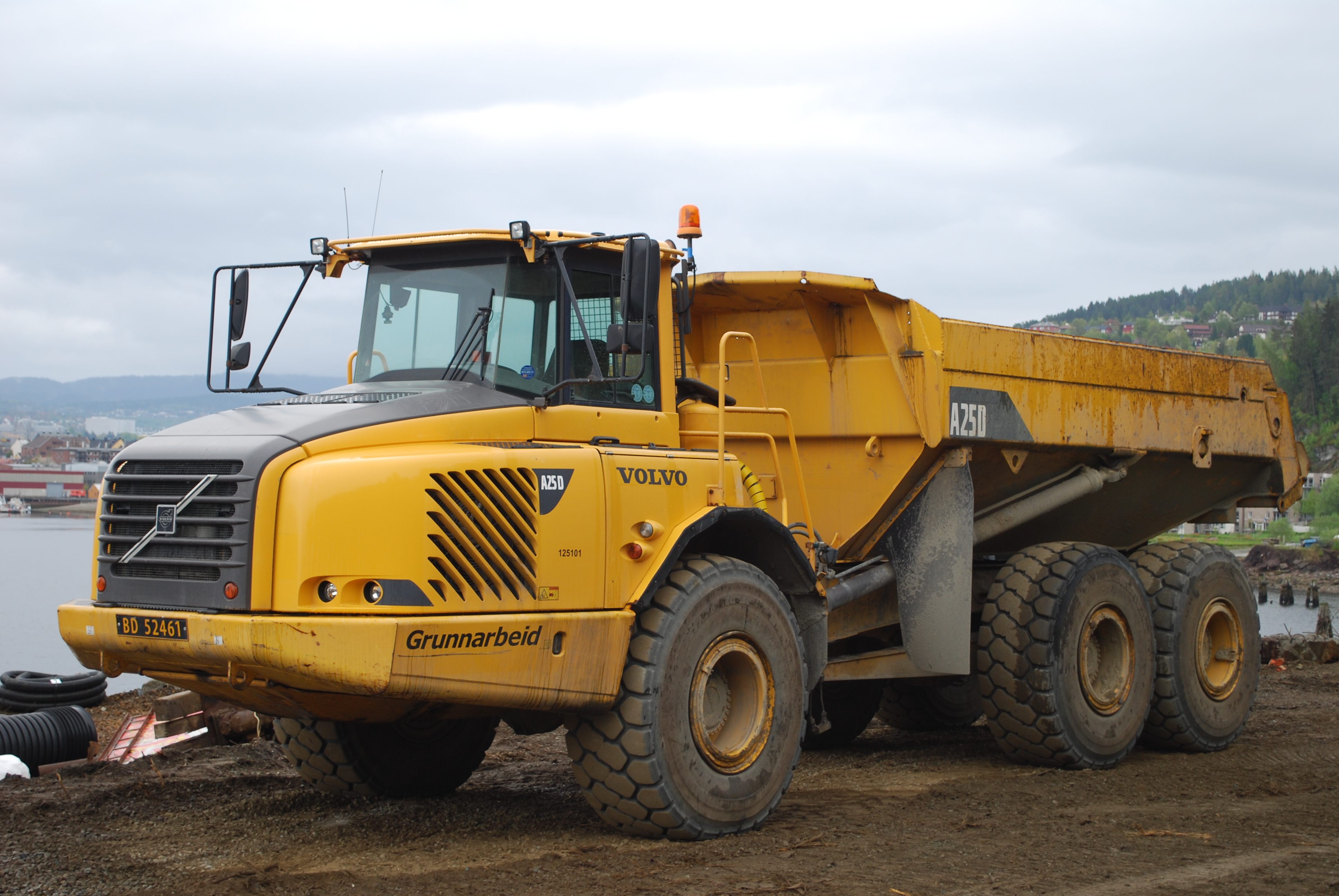 File Volvo A25d In Trondheim Jpg Wikimedia Commons