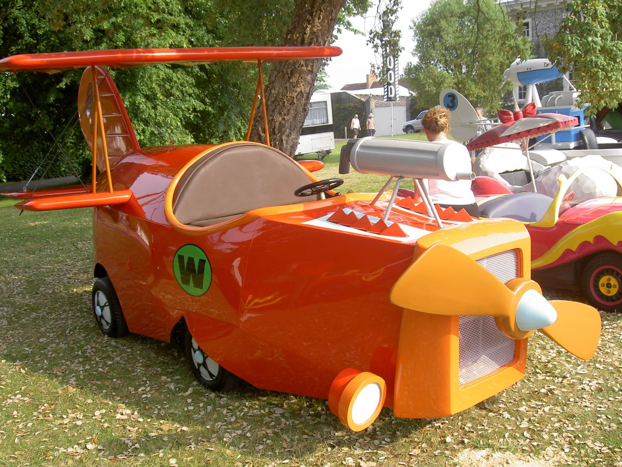 File:Wacky Races  The Crimson Haybailer.jpg  Wikimedia Commons