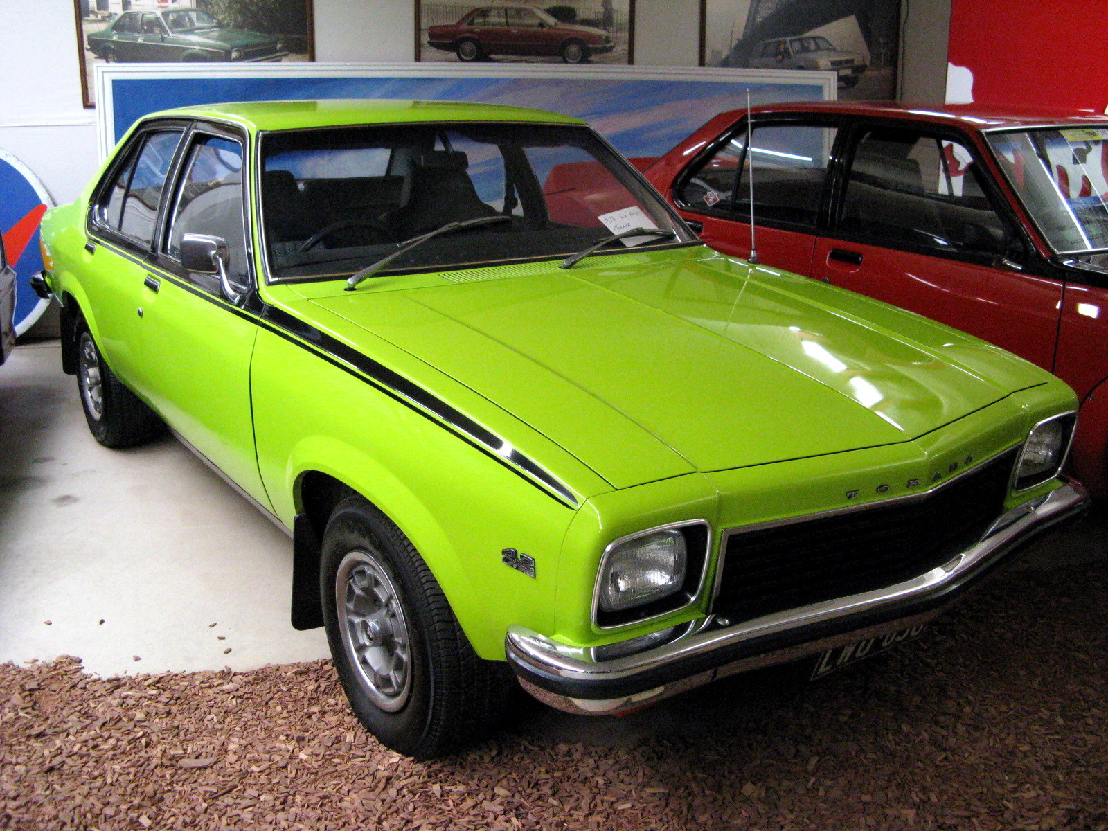 File:1974-1976 Holden Torana (LH) SLR sedan (2008-09-02 ...