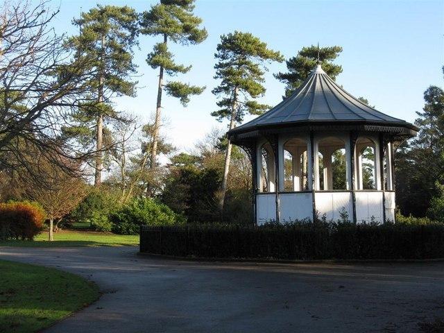 Bandstand in Bedford Park - geograph.org.uk - 1074639