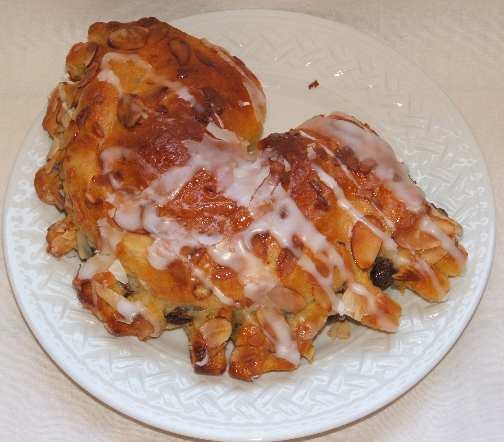 Bear claw (pastry) - Wikipedia