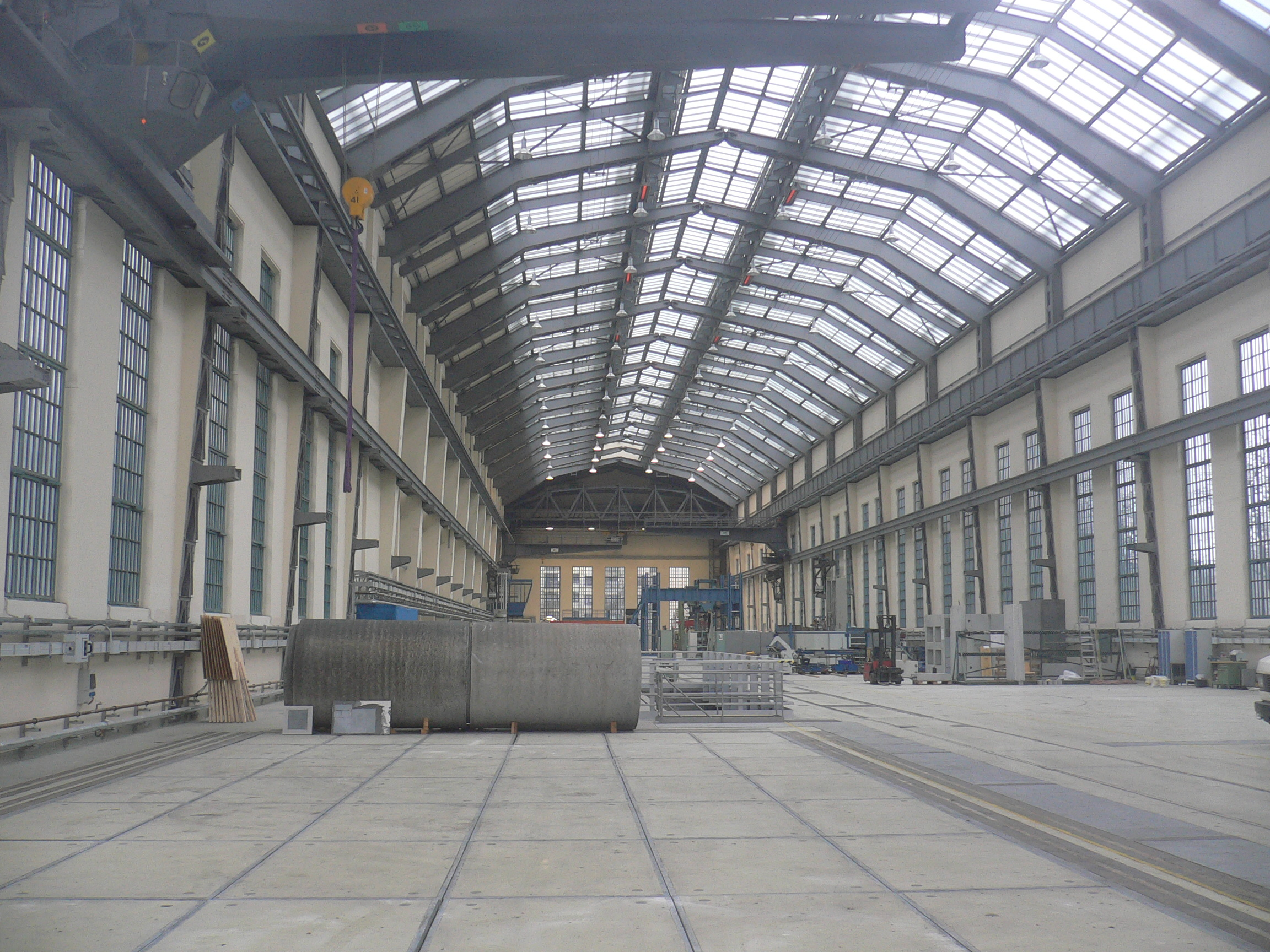 File berlin wedding aeg premises hall 15 for Peter behrens aeg turbine factory