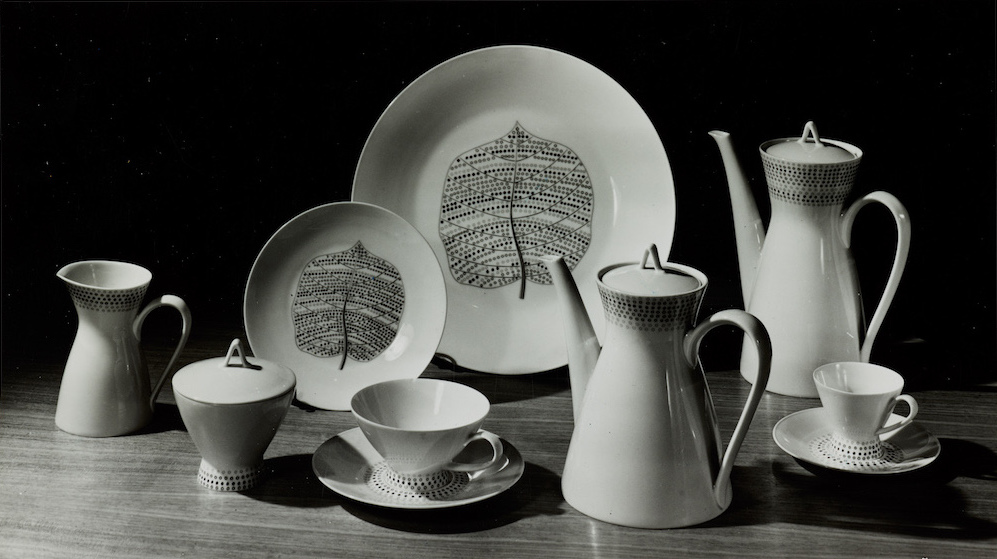 Bond Street porcelain plates, pattern designed by Lucienne Day, Rosenthal, 1957.jpg