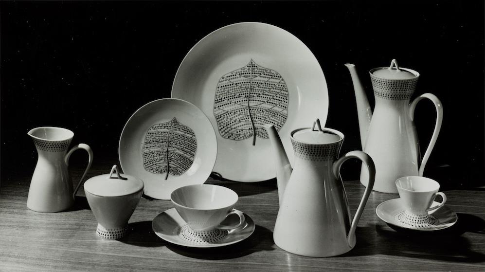 Bond Street porcelain plates, pattern designed by Lucienne Day, Rosenthal, 1957.jpg