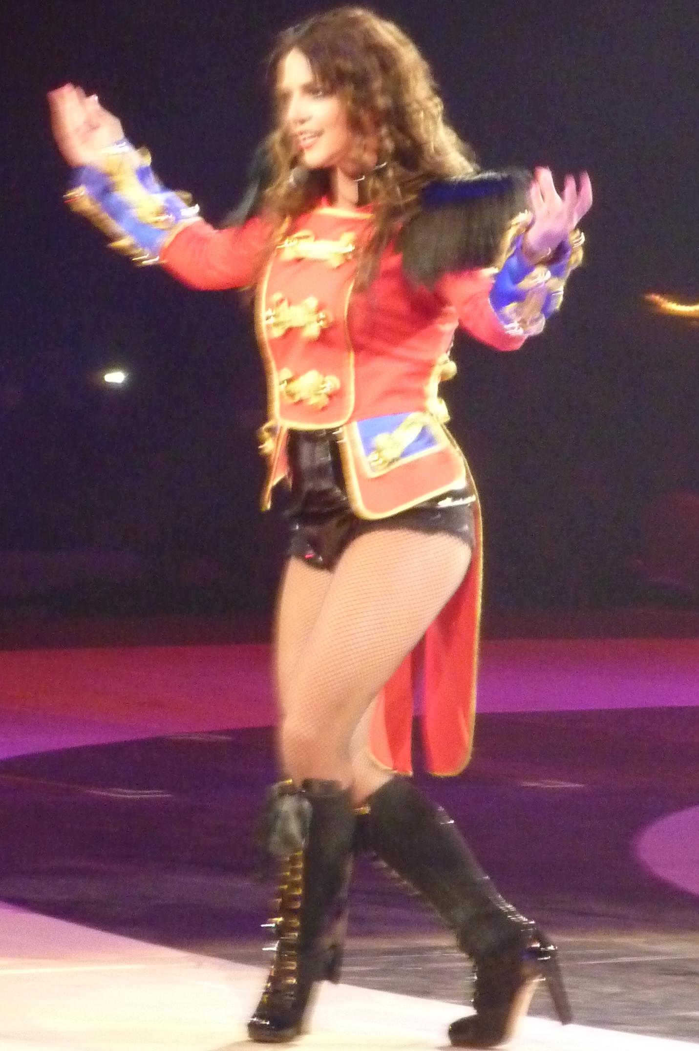 Description Britney Spears Live Paris 1.jpg: commons.wikimedia.org/wiki/File:Britney_Spears_Live_Paris_1.jpg
