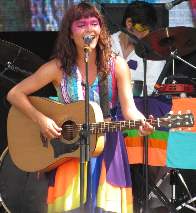 Camila Moreno en un concierto en 2012