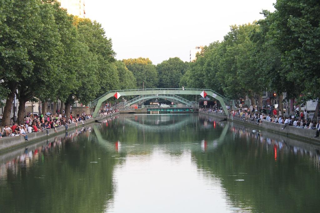 File canal saint martin wikimedia commons - Canal saint martin restaurant ...