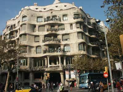 Casa mil wikipedia Art nouveau arquitectura