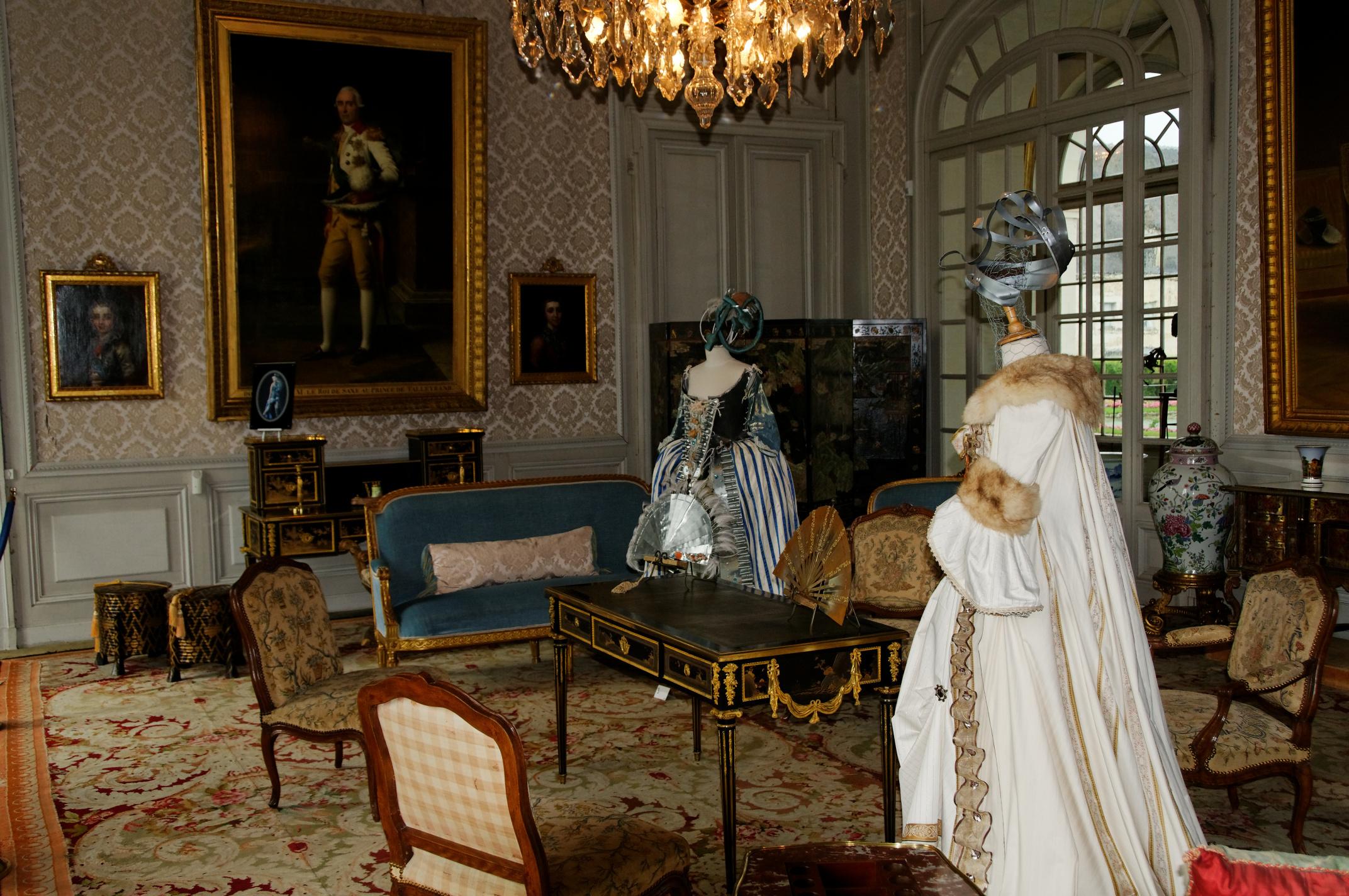 File:Château de Valençay Salon Bleu.jpg - Wikimedia Commons