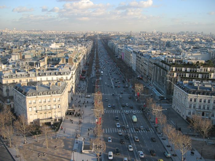 File:Champs elysees.700px.jpg
