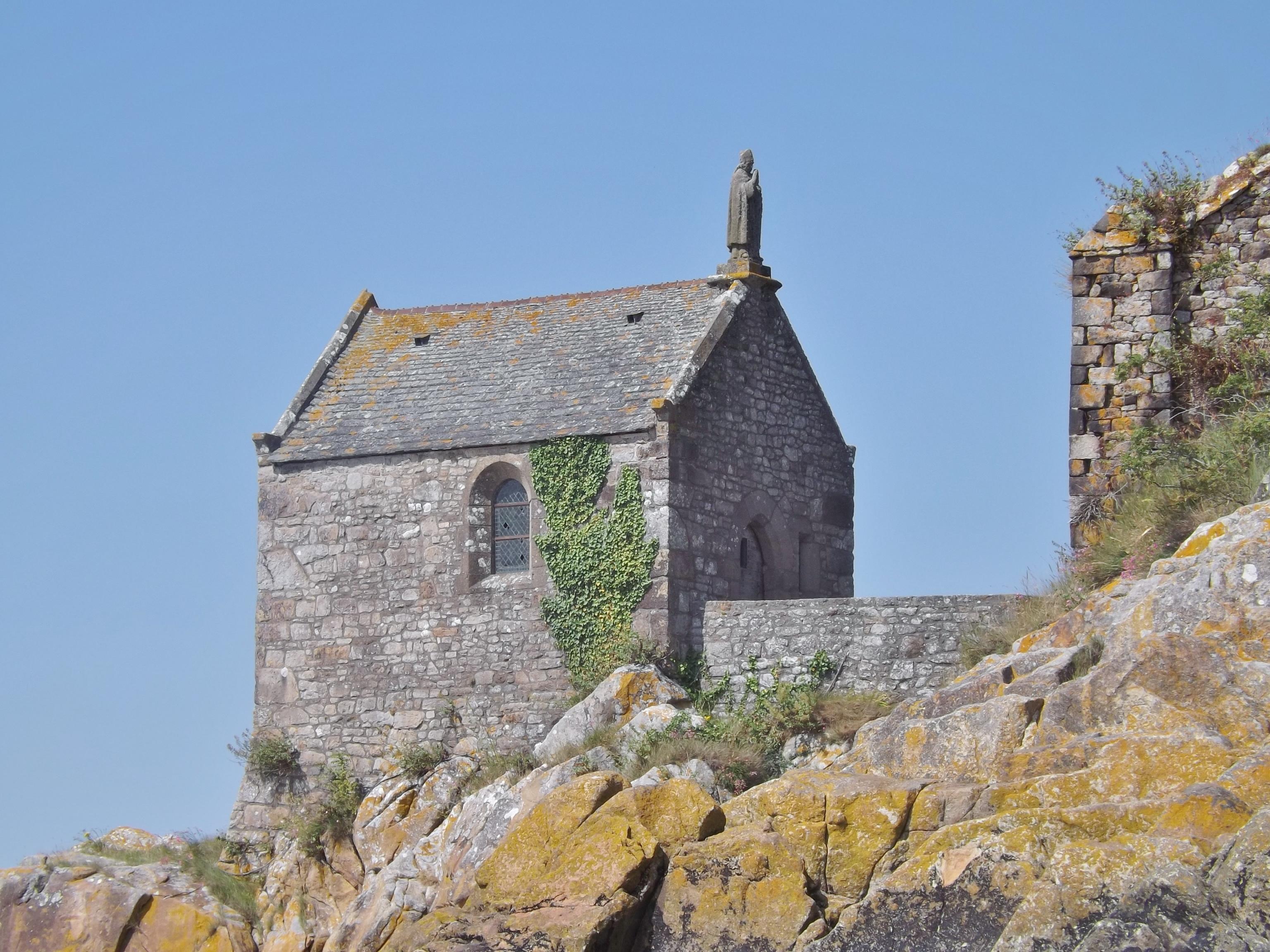 File chapelle saint aubert mont saint michel juillet for Au jardin st michel pontorson