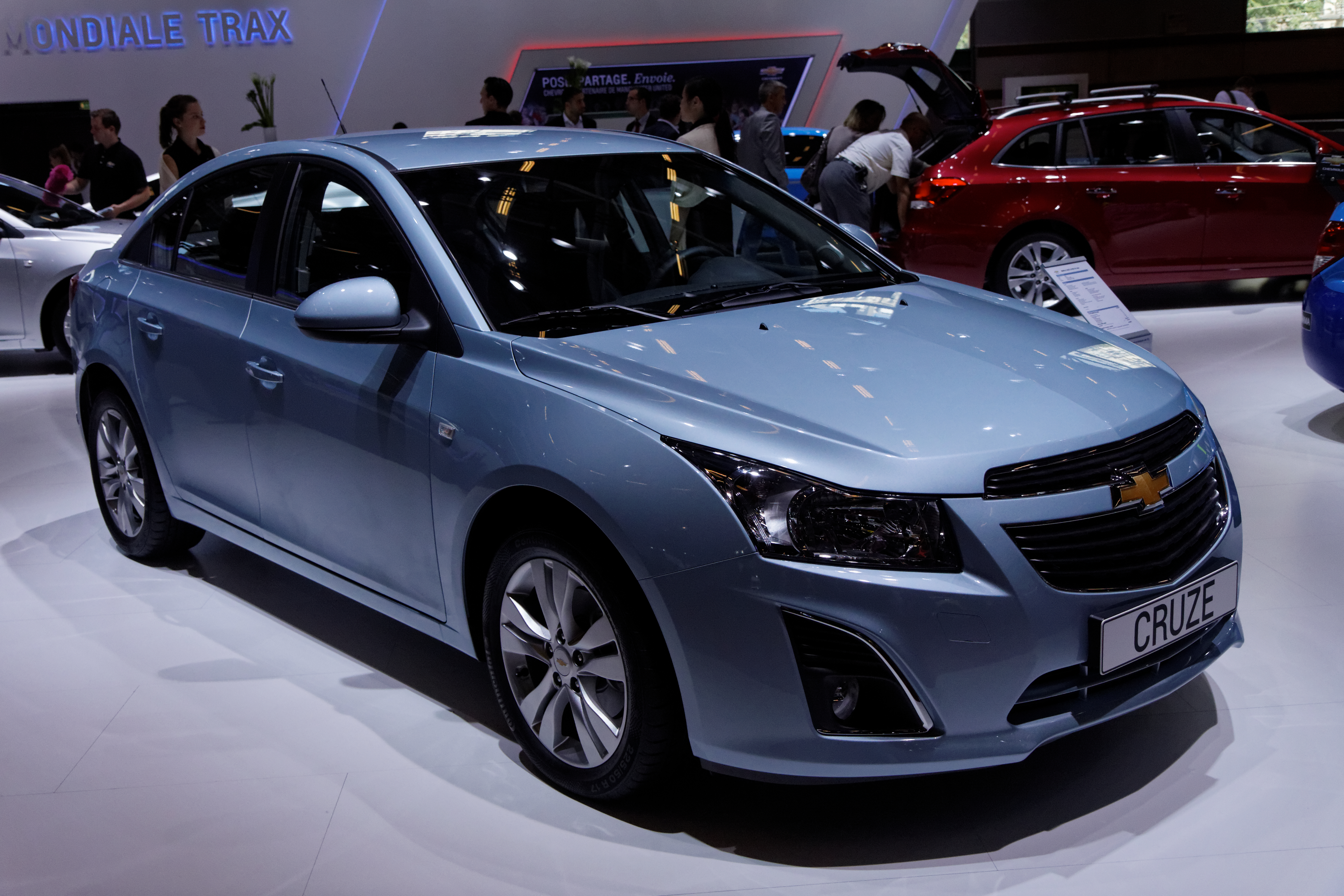 file chevrolet cruze mondial de l 39 automobile de paris 2012 wikimedia commons. Black Bedroom Furniture Sets. Home Design Ideas