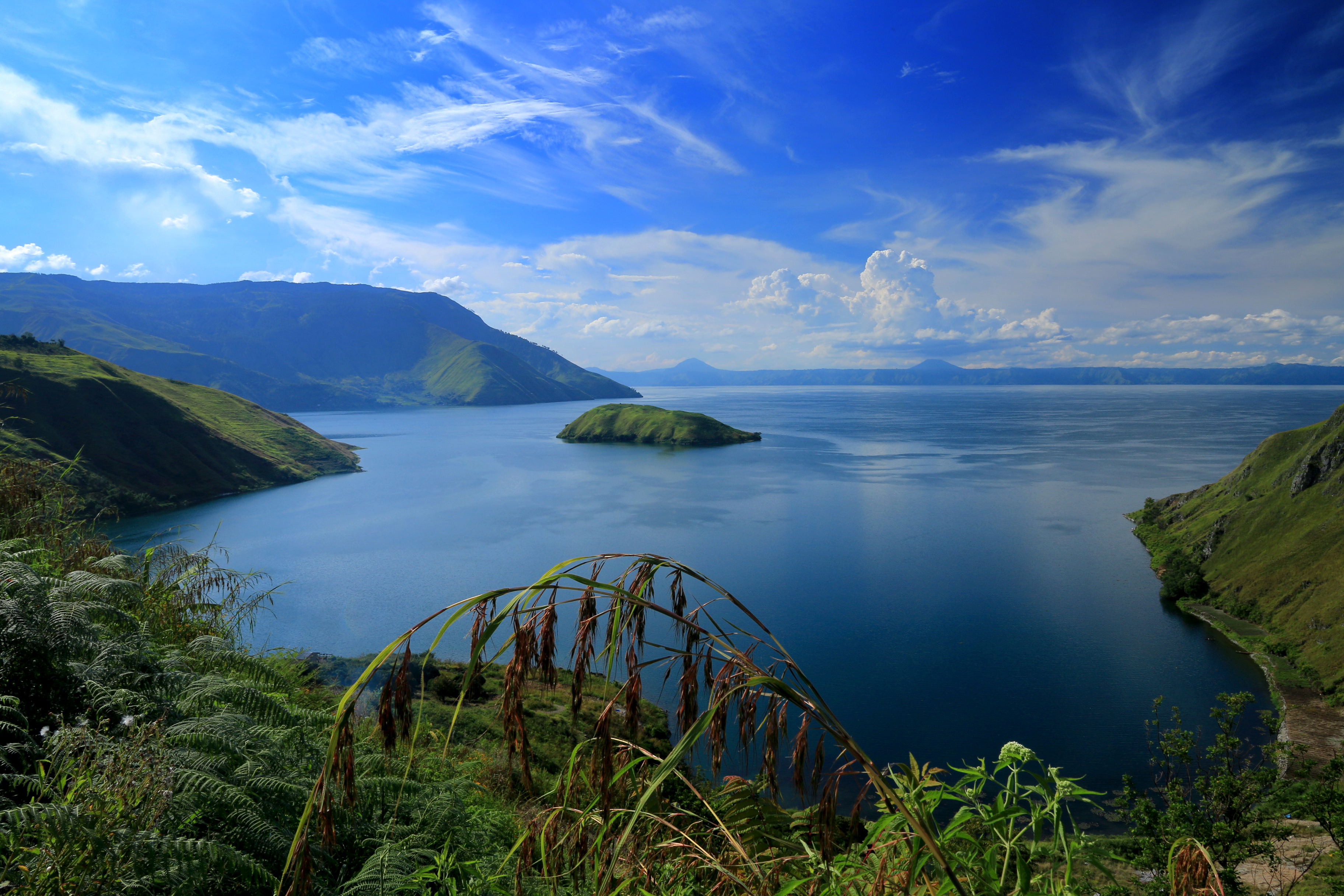 Hasil gambar untuk danau toba