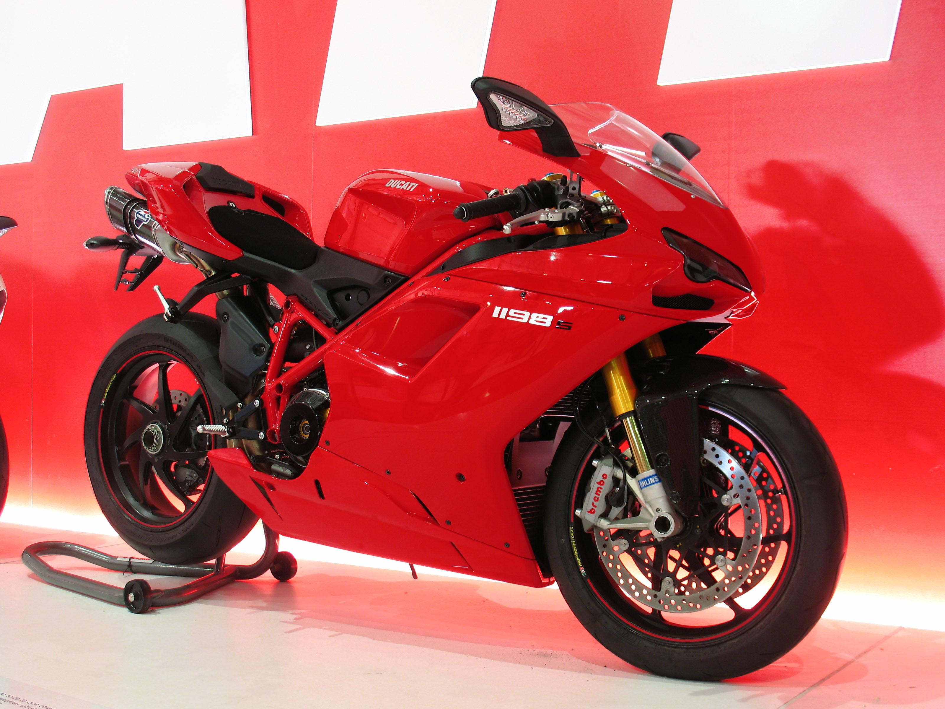 File:Ducati Superbike 1198-S (9660056796).jpg