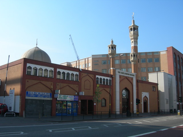 File:East London Mosque and London Muslim Centre - geograph.org.uk - 394907.jpg