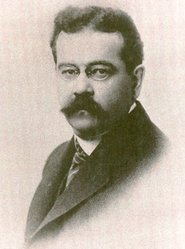 https://upload.wikimedia.org/wikipedia/commons/c/cc/Fort_charles_1920.jpg