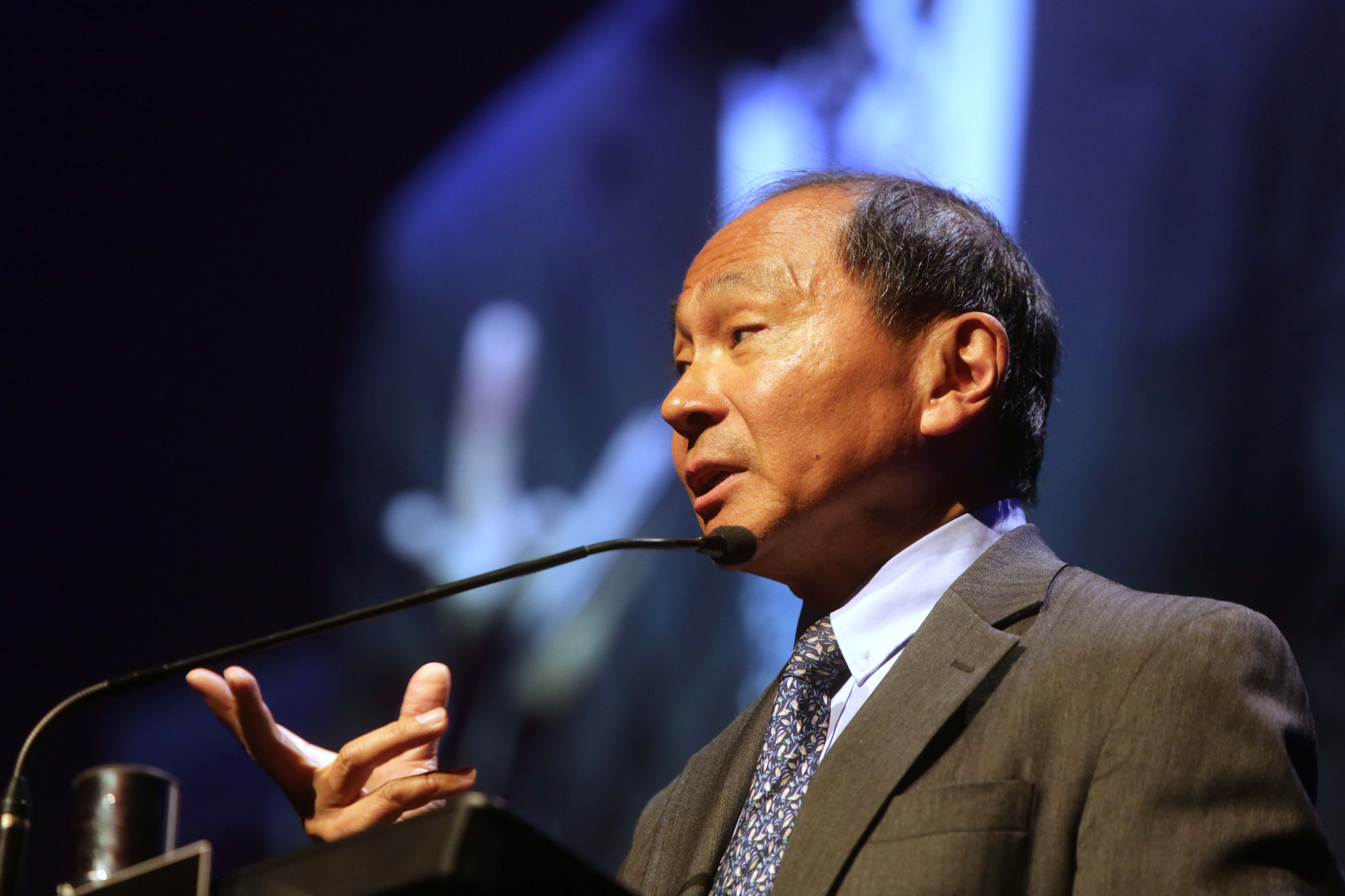 democratic peace thesis fukuyama The trouble with islam, the european strips off its funereal clothes and gives it a carnival suit of democratic fukuyama takes his thesis that history.