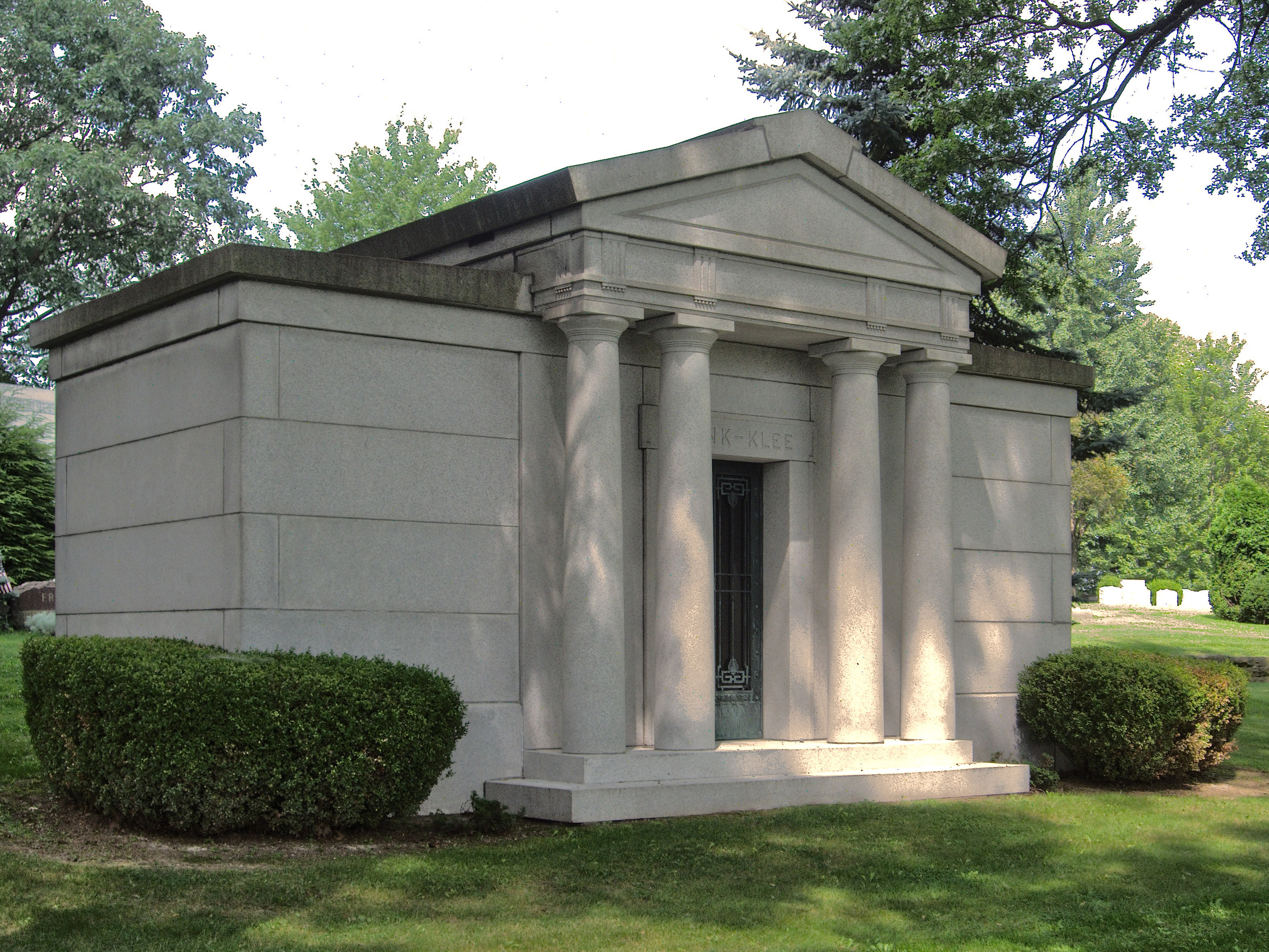 File:Frank-Klee Mausoleum, West View Cemetery, 2015-07-27 ...