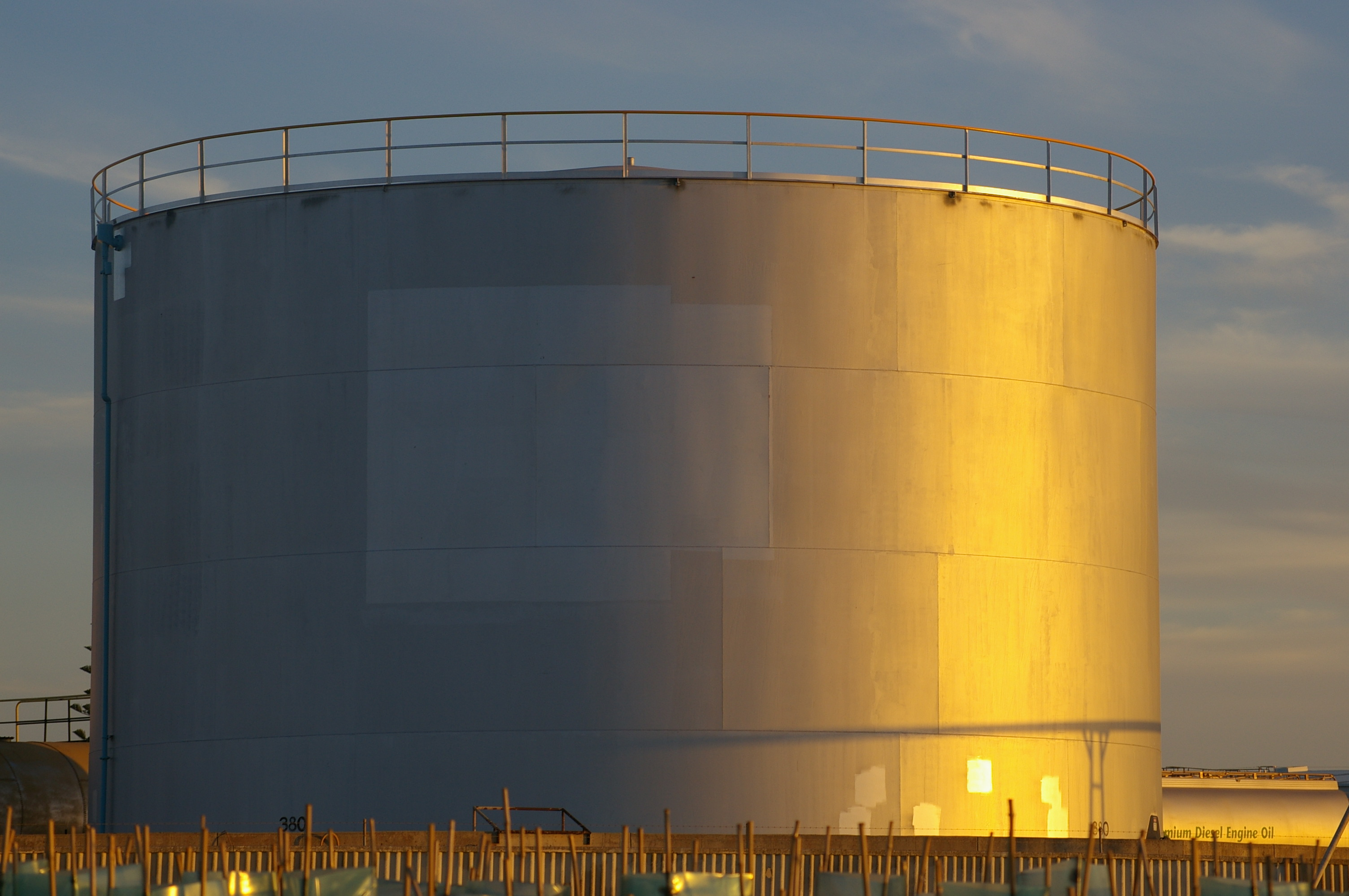 Oil and Gas Storage Valves