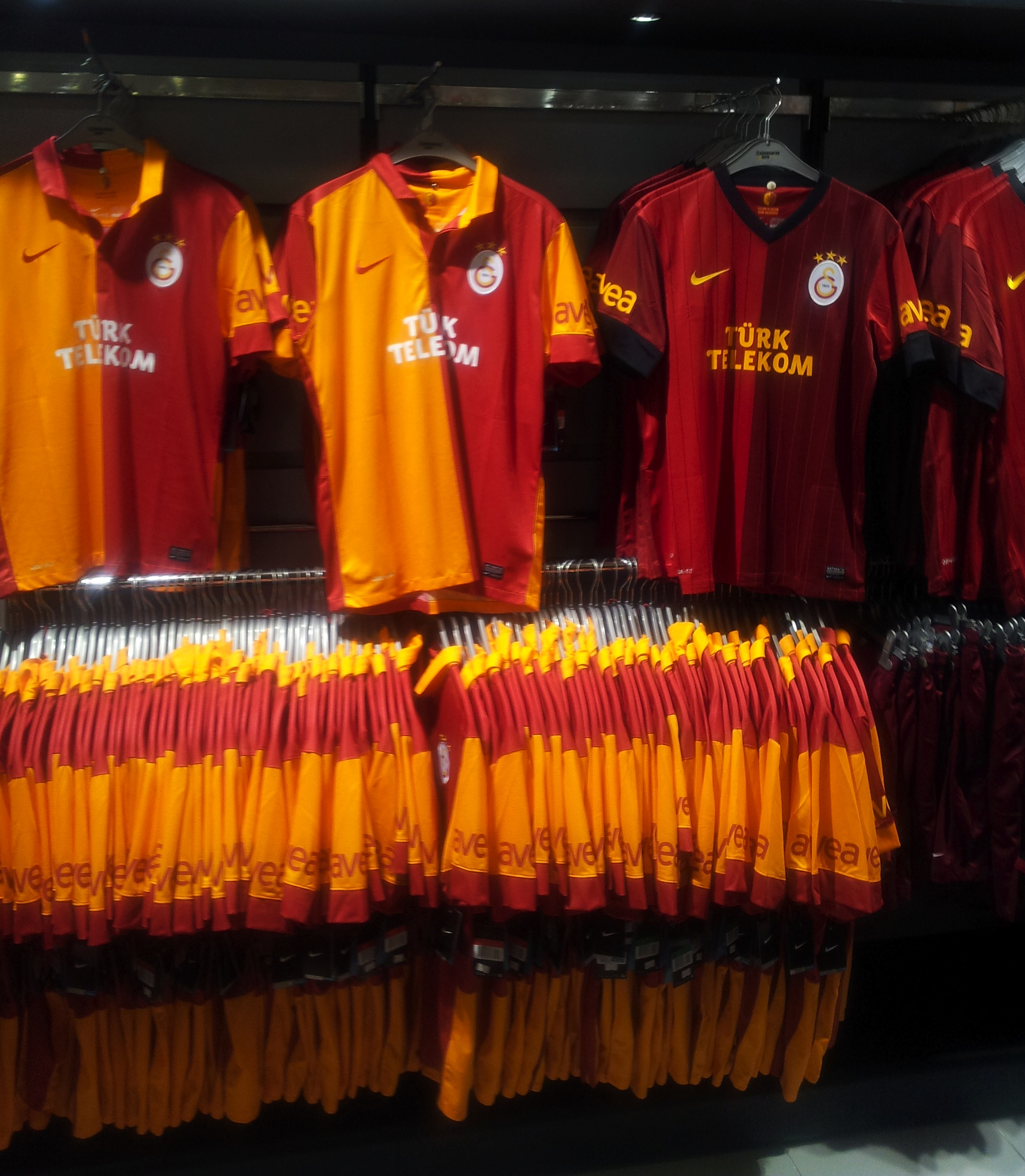 Description Galatasaray SK 2012 13 Kit