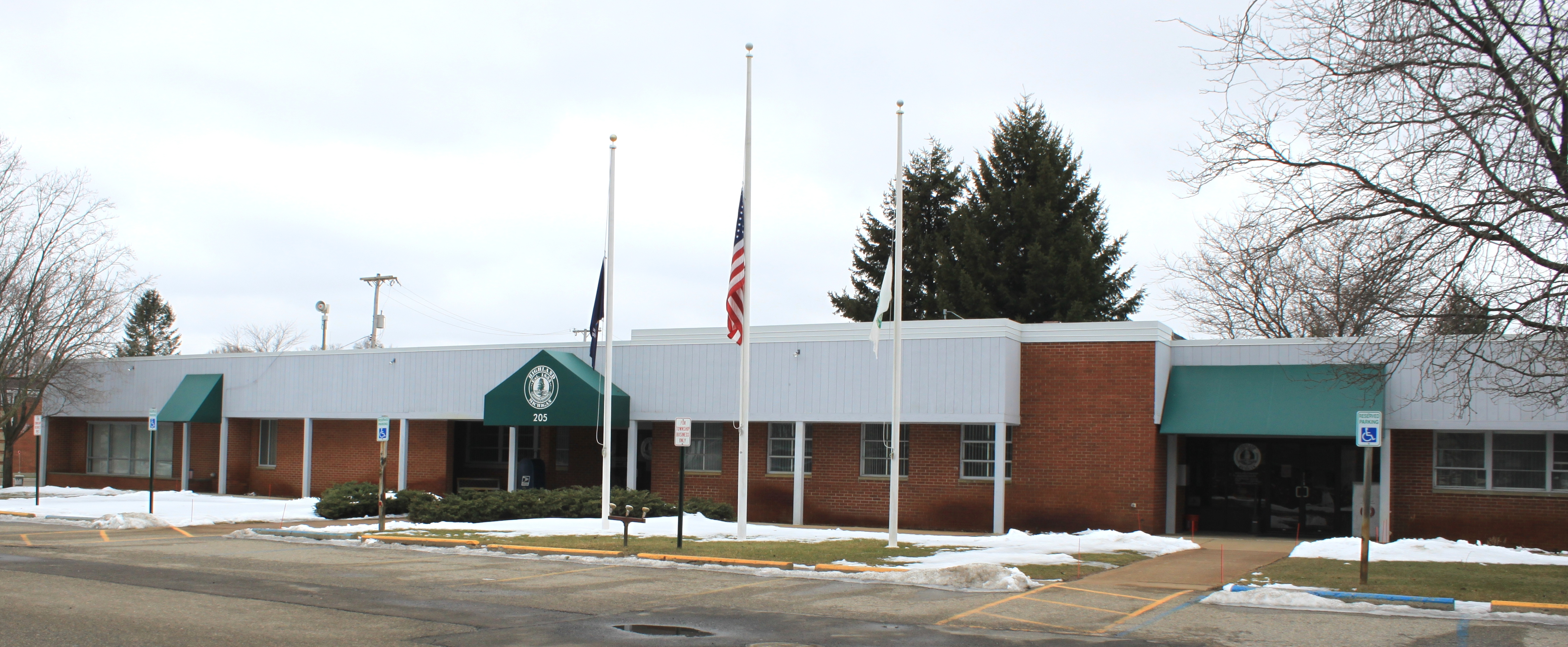 Michigan oakland county highland - File Highland Township Offices Michigan Jpg