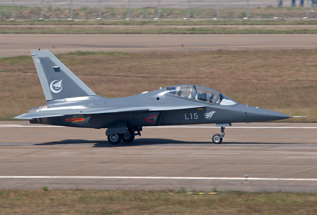 Yak-130: News - Page 8 Hongdu_L-15_Falcon