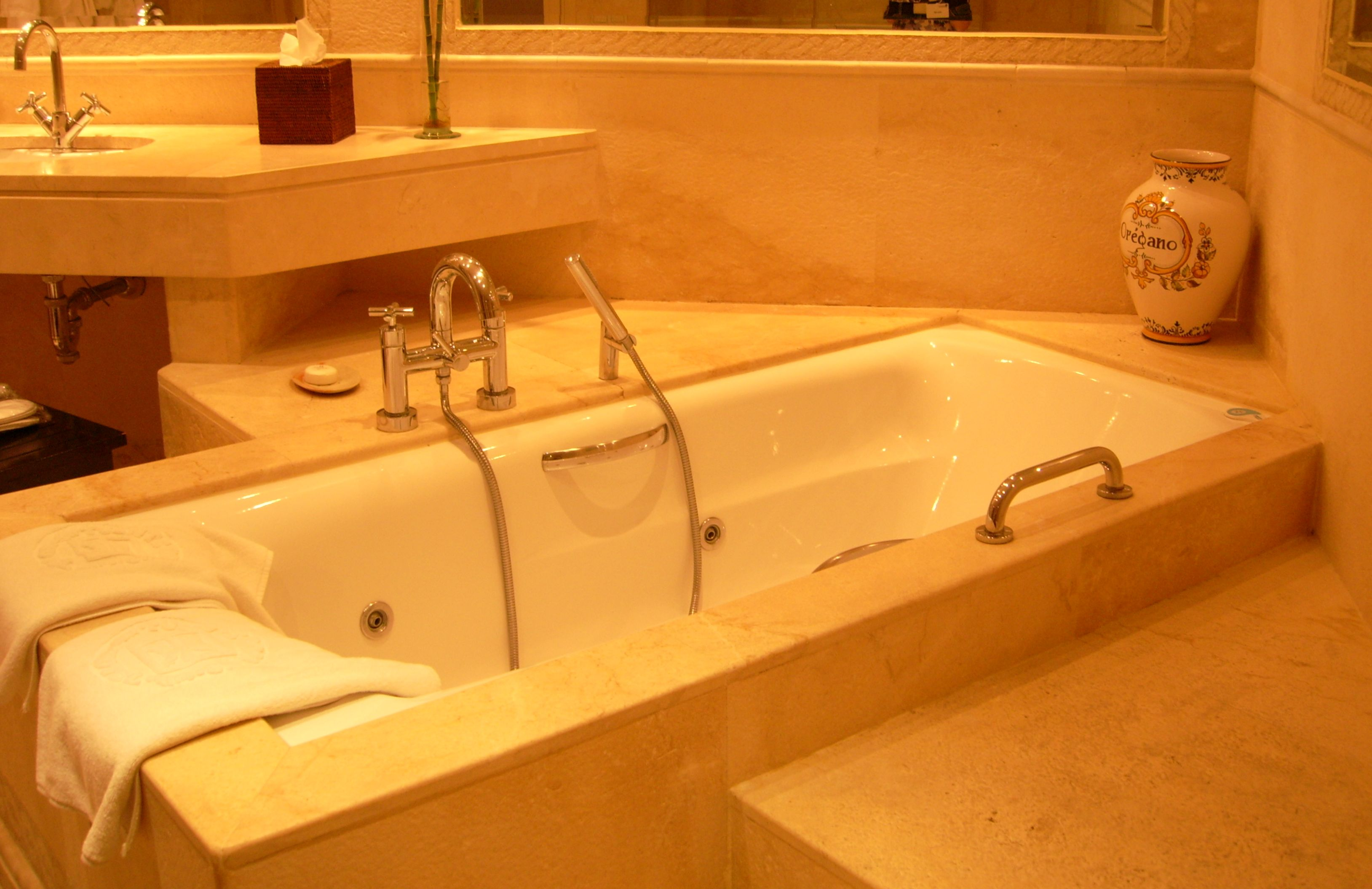 Hot Tub In Room Hotels Indianapolis