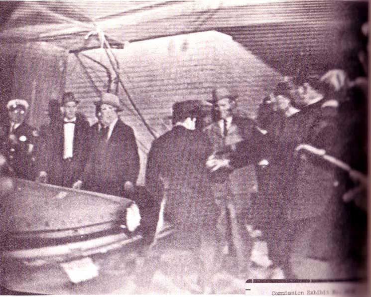 Jack Ruby erschießt L. H. Oswald
