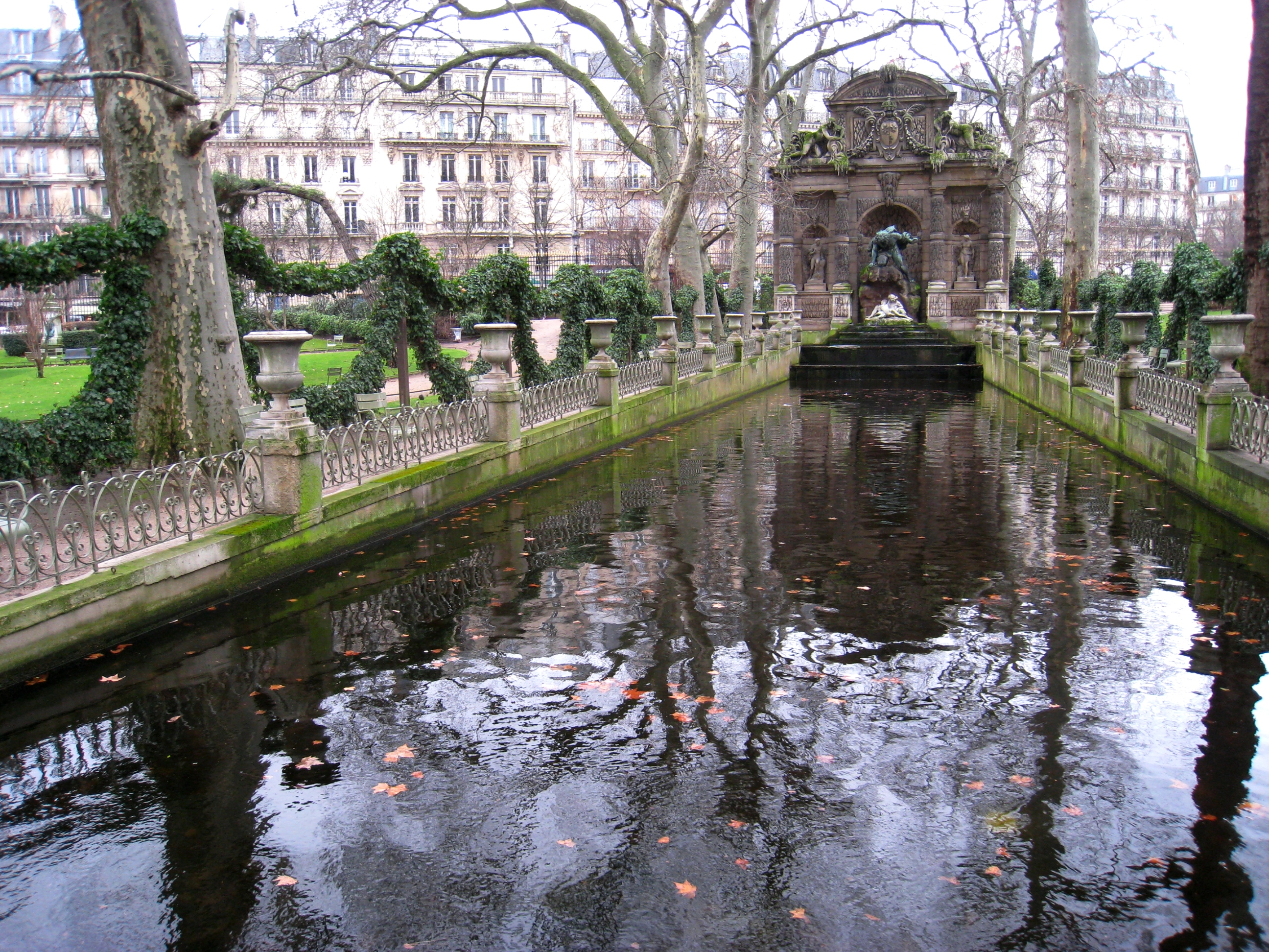 The most beautiful gardens in Paris The most beautiful gardens in Paris Jardin du Luxembourg   Medici Fountain in winter