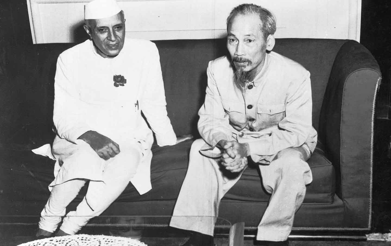 File:Jawaharlal Nehru with Ho Chi Minh.jpg - Wikimedia Commons