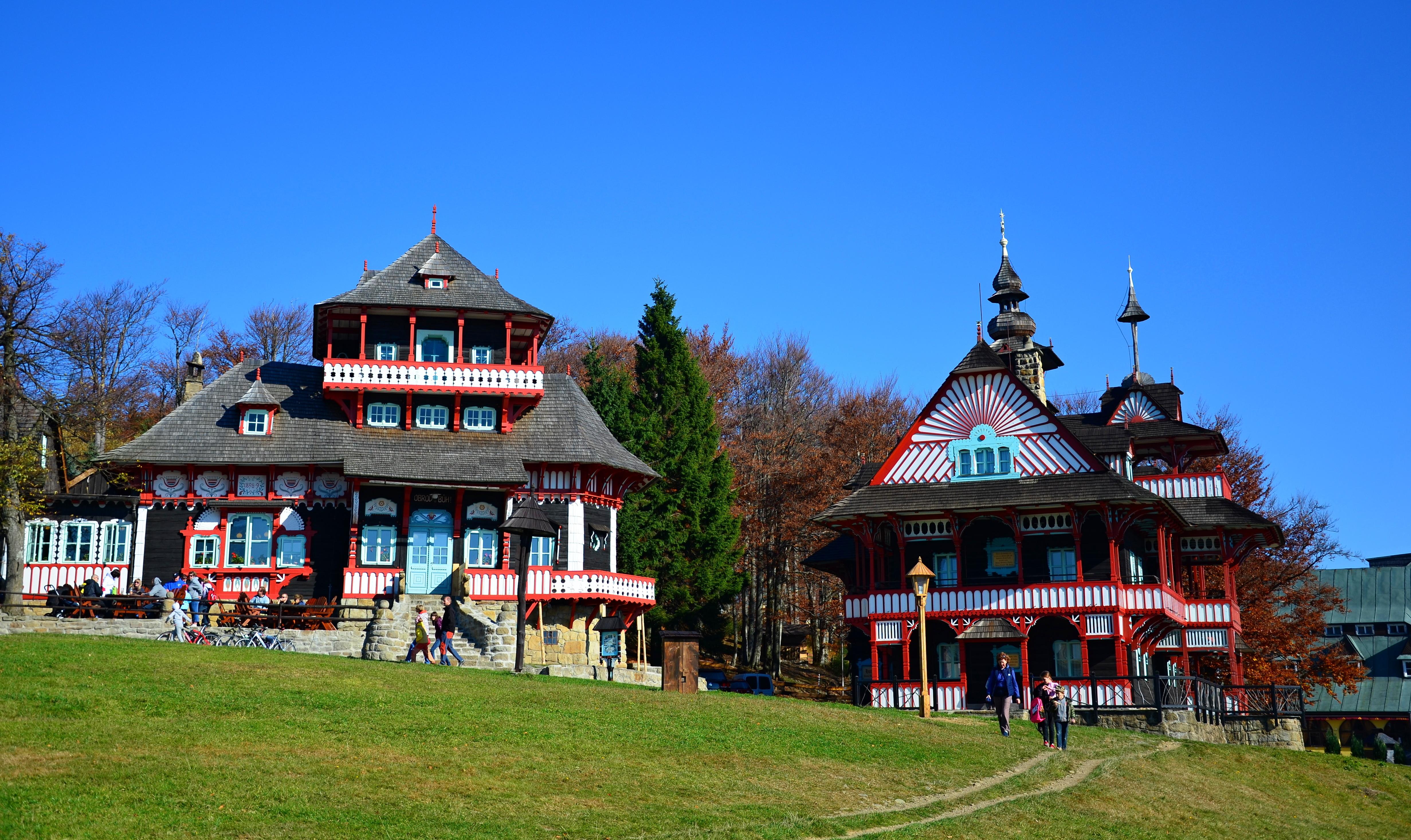 Soubor:Jiná turistická stavba - areál Pustevny - Libušín a ...