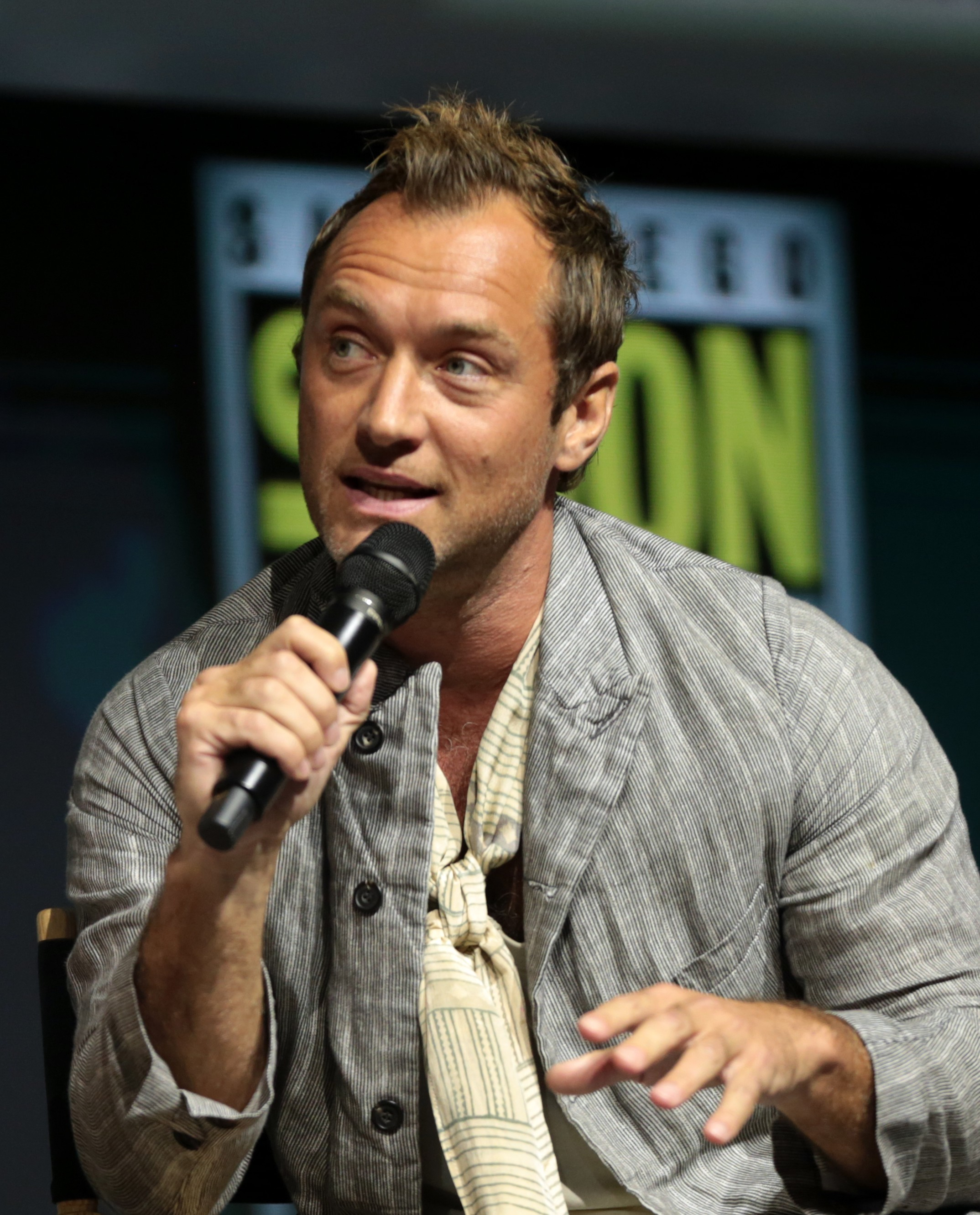 File:Jude Law 2018 (2).jpg - Wikimedia Commons