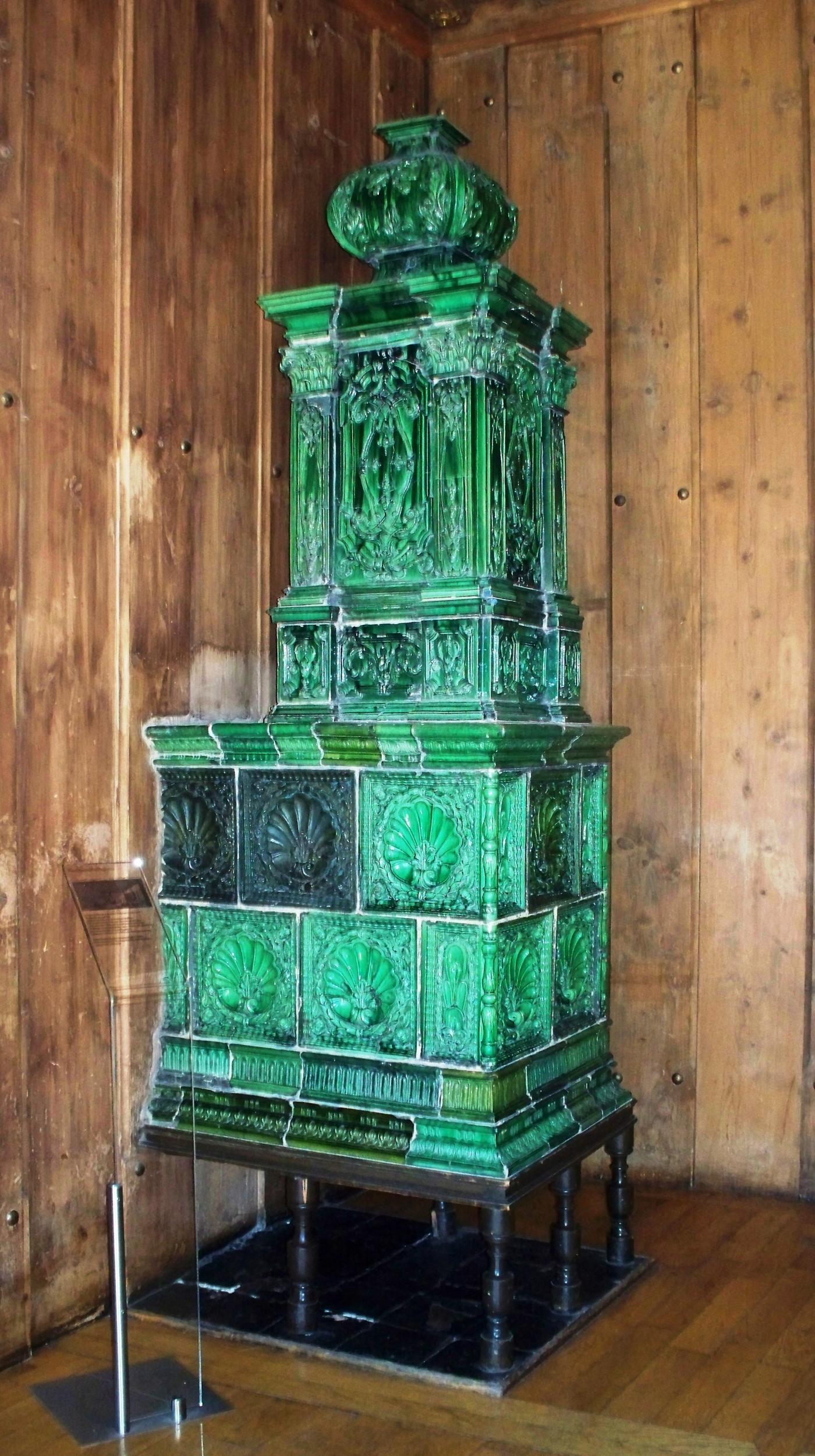 Alter Kachelofen file kachelofen im alten rathaus jpg wikimedia commons