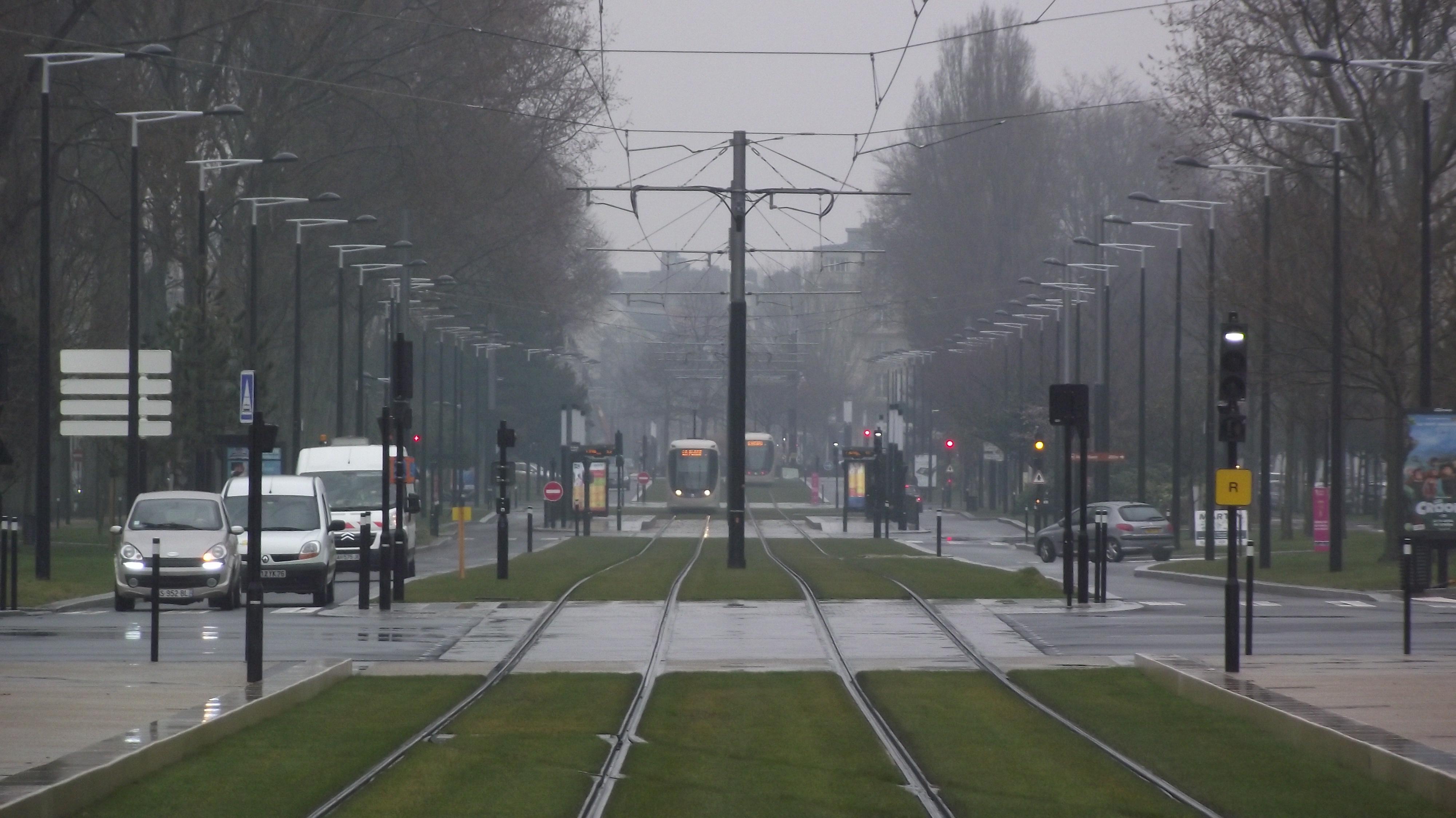File le havre tram avenue foch wikimedia commons - Nachtclub avenue foch ...