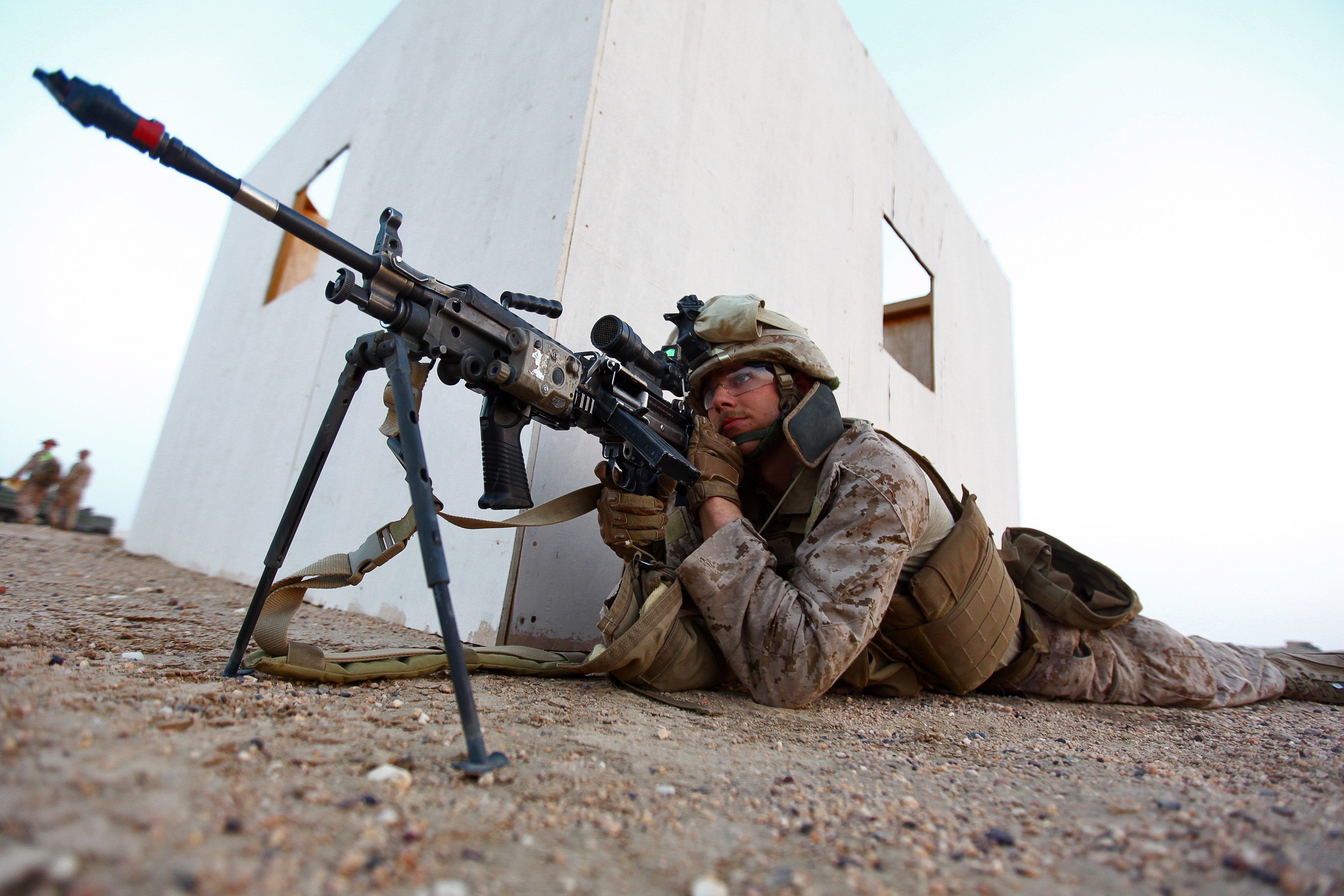File:Marine with a M249 equiped with rifle grenade and ...