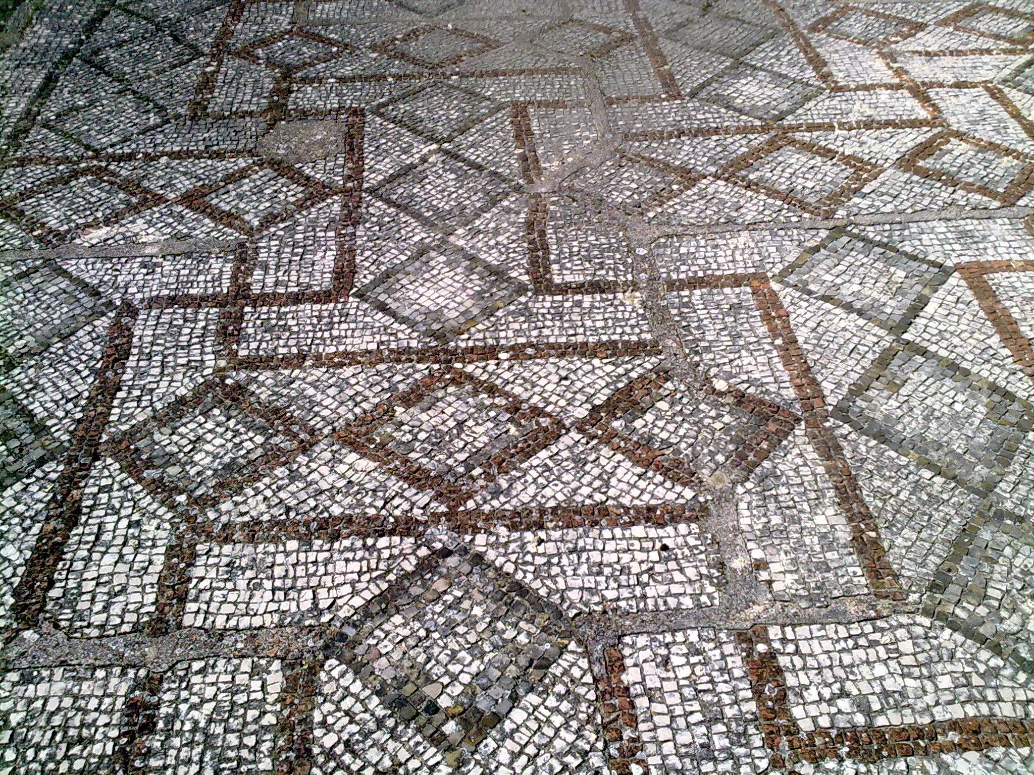 File mosaico a croce basilica san leucio - Mosaico piastrelle ...